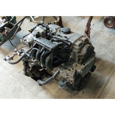 Citroen / Peugeot 1.1i Motor (fűzött blokk hengerfejjel)