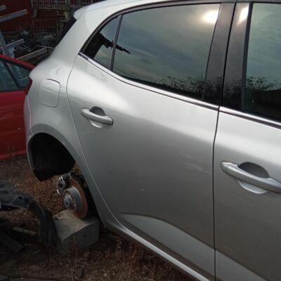 Renault Megane IV 5 ajtós Jobb hátsó üres ajtó